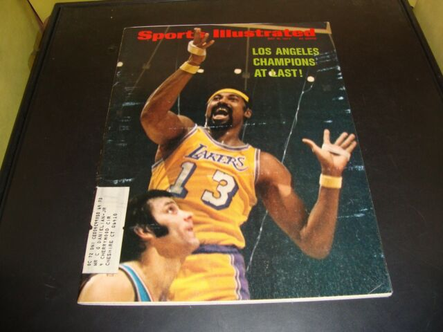 Wilt Chamberlin May 15 1972 Sports Illustrated LA Lakers Excellent Condition