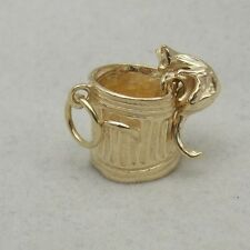 MOVING 9ct GOLD CHARM OF A CAT IN A TRASH CAN
