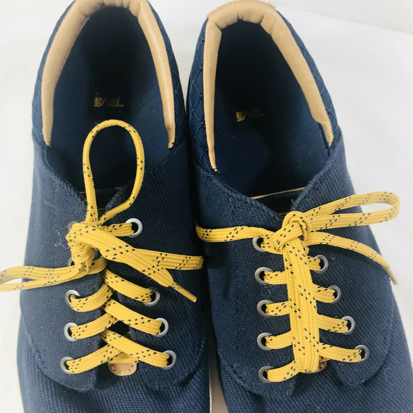Teva Mens Lace Up Sneakers Casual Navy bluee Yellow Laces Designer Nice  Sz 10.5