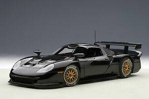 AUTOart-89770-PORSCHE-911-GT1-PLAIN-BODY-VERSION-BLACK-1997-1-18