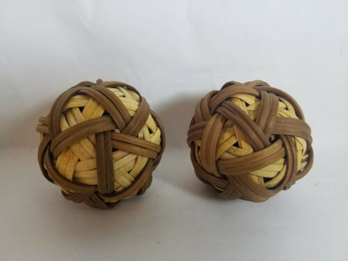 """3/"""" /& 4/"""" Rattan//Resin and Rope Decorative Balls Pre-Owned in Excellent Shape"""
