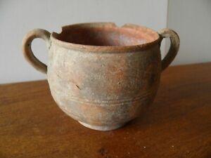 un-pot-a-deux-anse-gallo-romain-premier-siecle