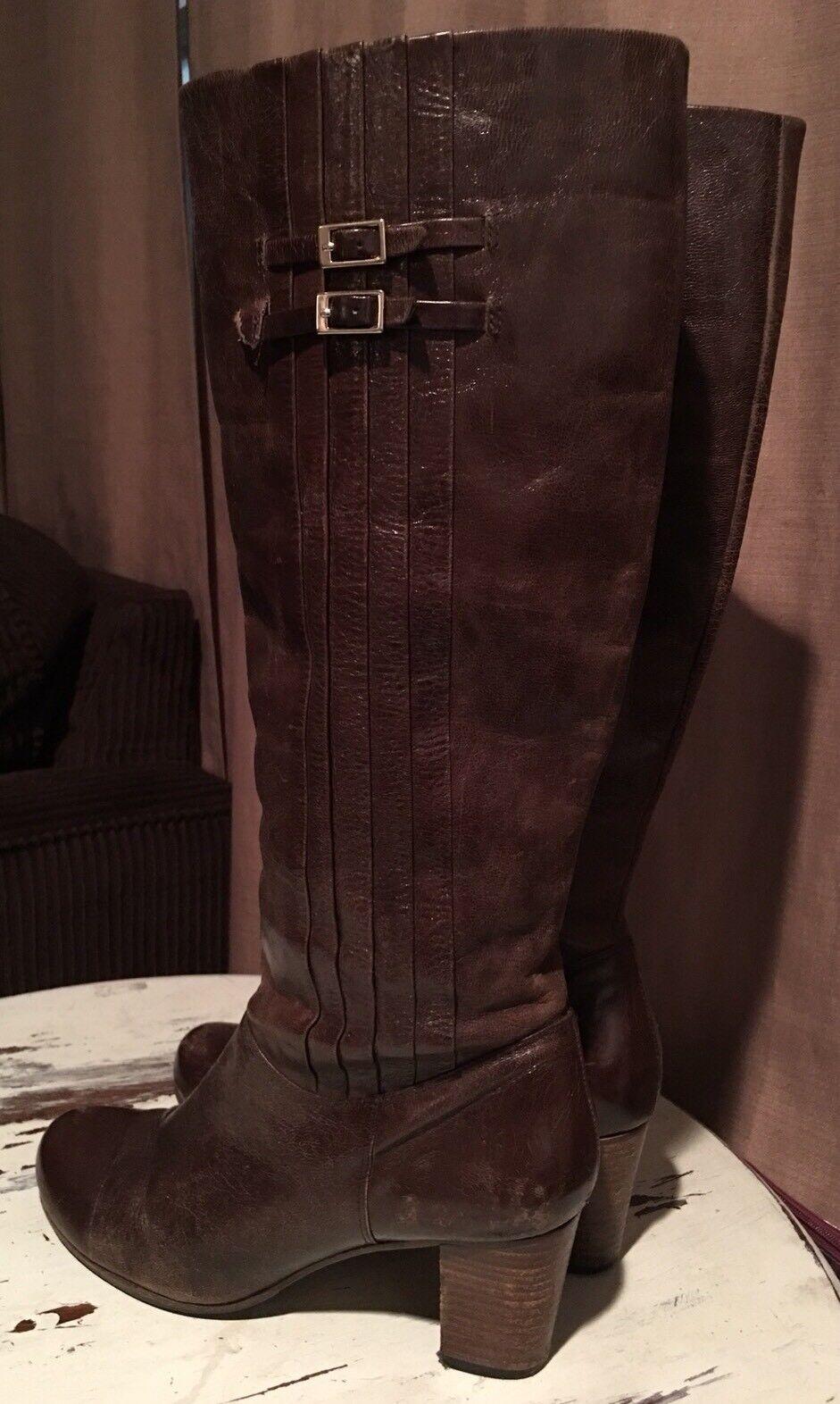 Frye Nora 16L Dark Braun Distressed Patent Leder Knee High Pleated Boot 8 1/2