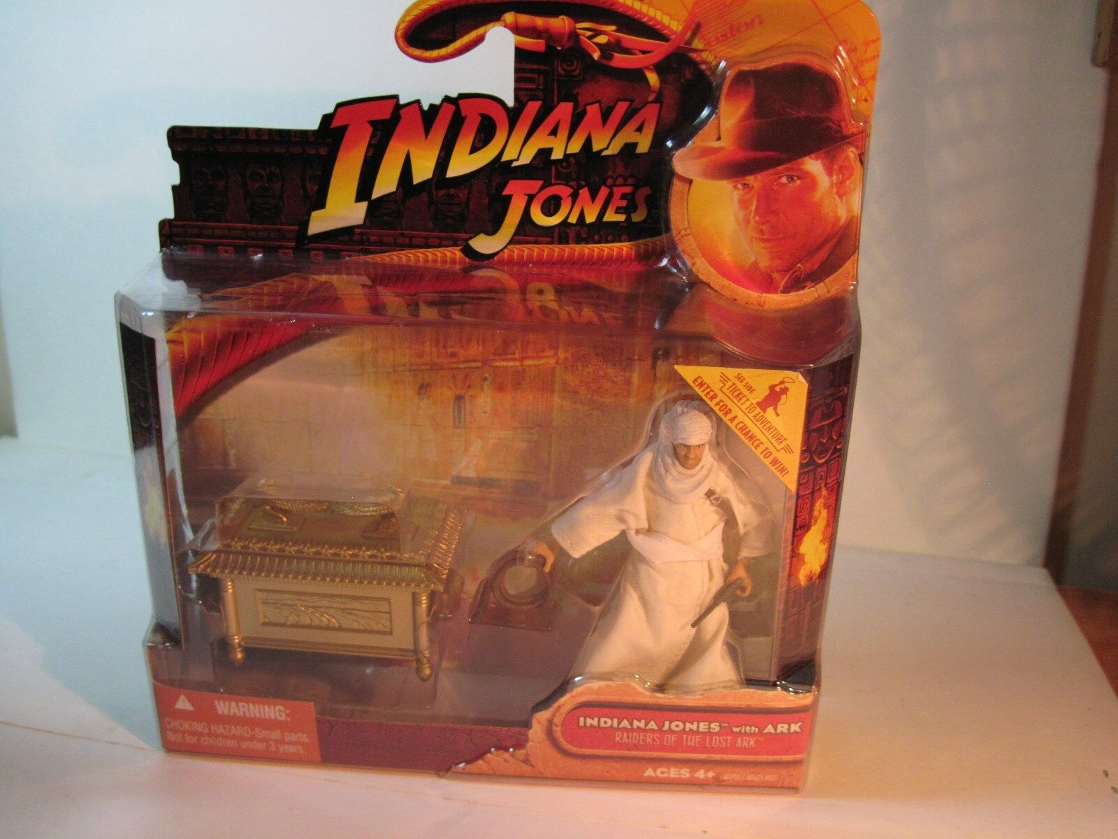 3 3 4'' INDIANA JONES WITH ARK 2008 HASBRO