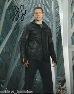 Stark-Sands-Minority-Report-Autographed-Signed-8x10-Photo-COA