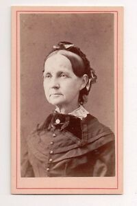 Vintage-CDV-New-York-Elderly-Matron-Photo-by-N-B-Baker-Brockport-new-york