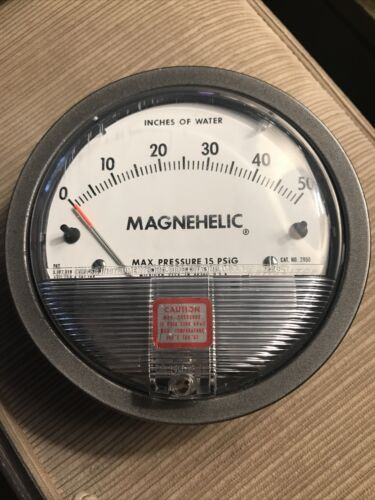 Dwyer 2015 Magnehelic Differential Pressure Gauge 0-15 Inches of Water
