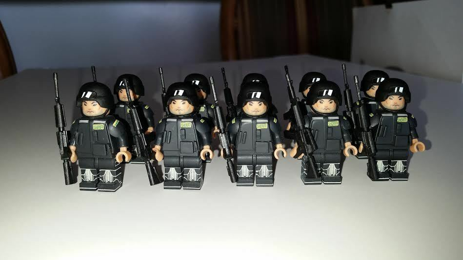 100 Figures  Custom SWAT Mini Figures Set. Amazing Detail & Quality