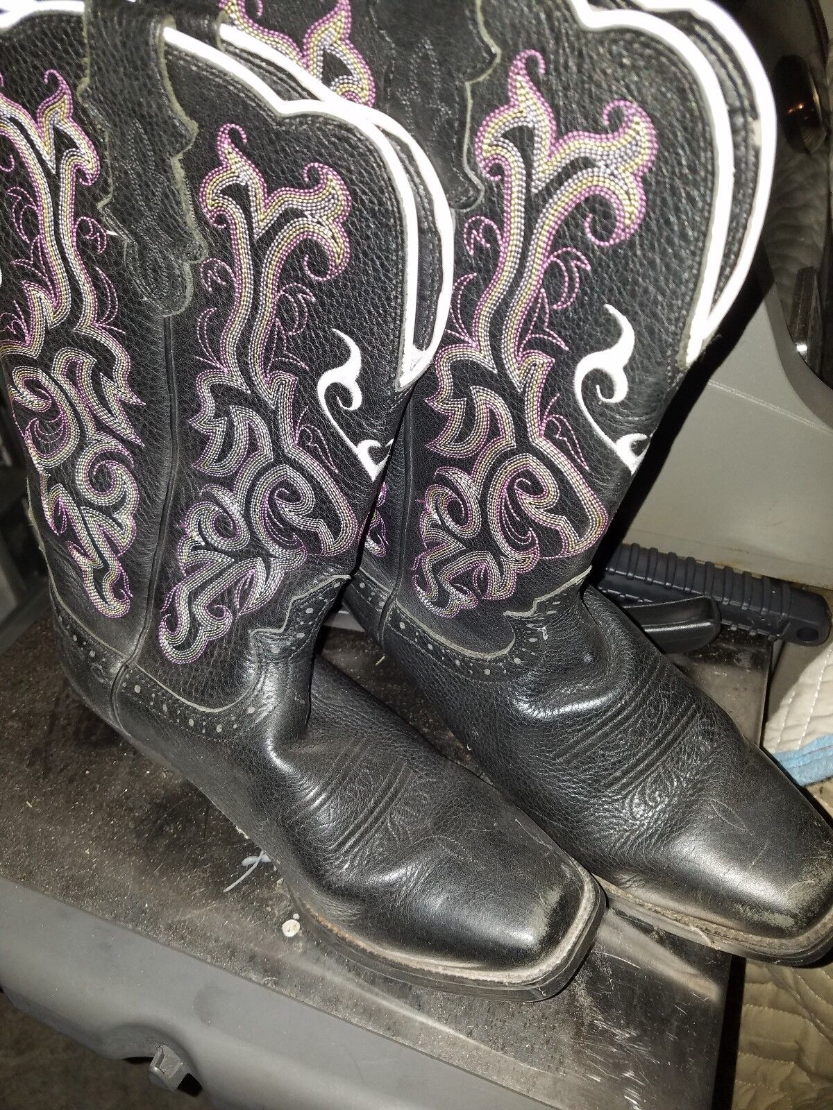 Used one time Cowboy boots