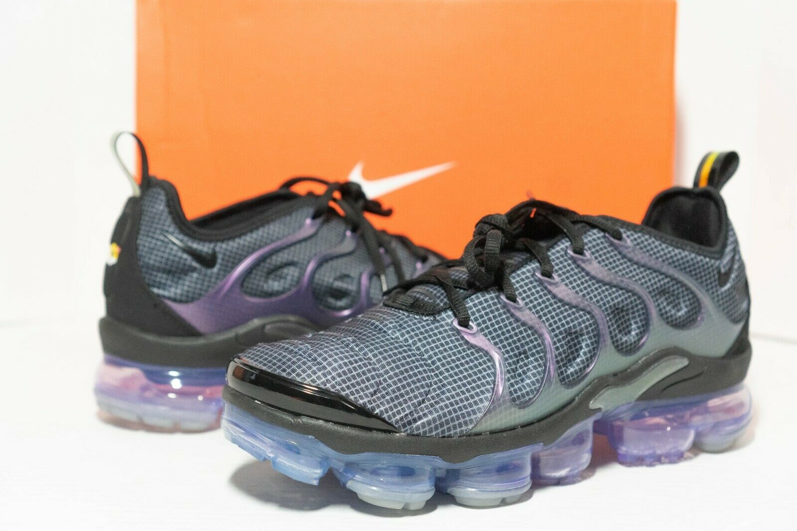 Size 9.5 - Nike Air VaporMax Plus