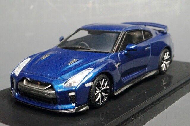 17B08-32 onemodel 1 43 NISSAN GT-R 2017 bleu Pearl
