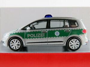 Herpa-092104-VW-Touran-2015-034-polizia-Baviera-034-in-Argento-Verde-1-87-h0-Nuovo-Scatola-Originale