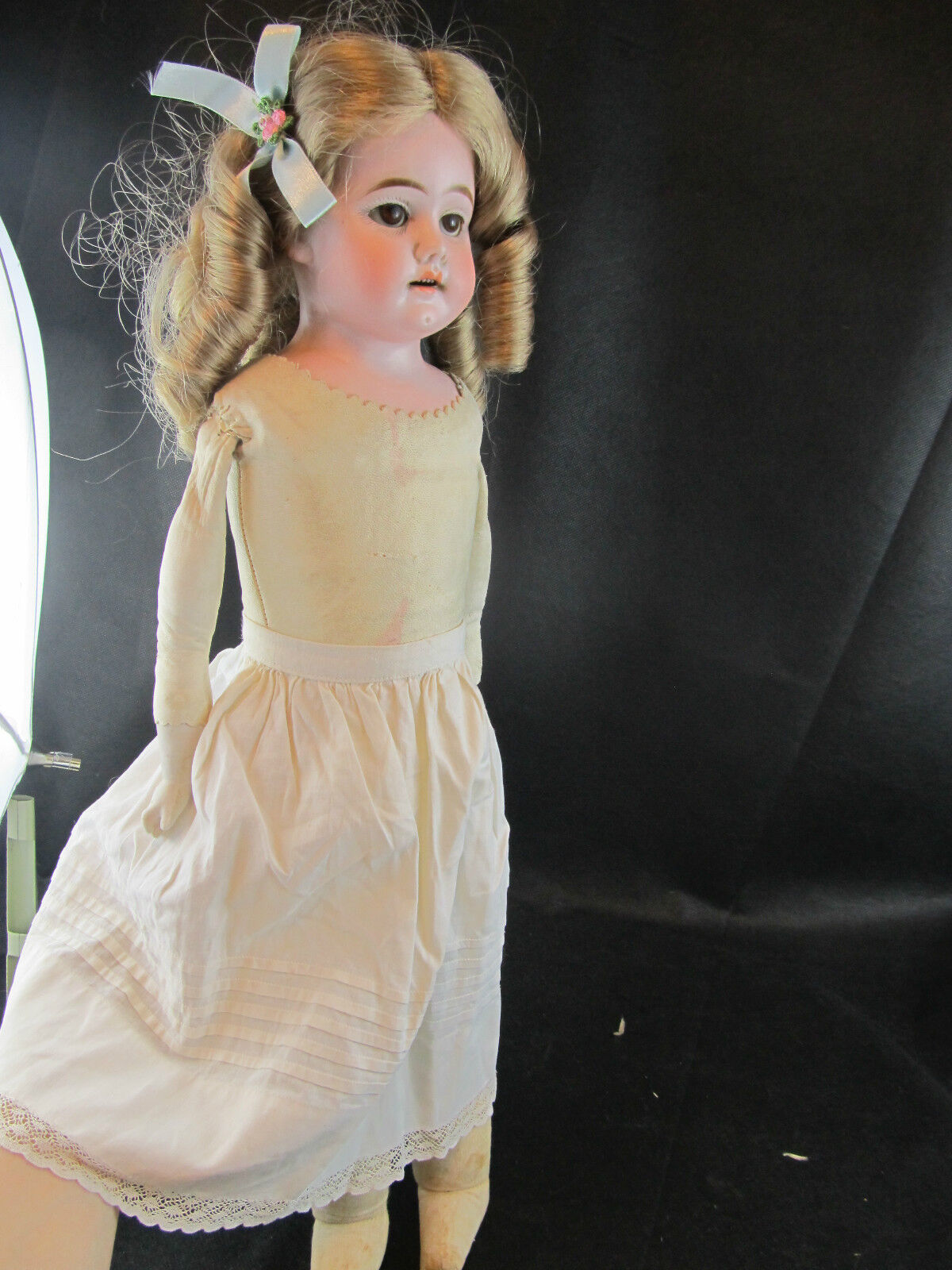 VINTAGE HEUBACH KOPPELSDORF DOLL 20  WITH LEATHER BODY