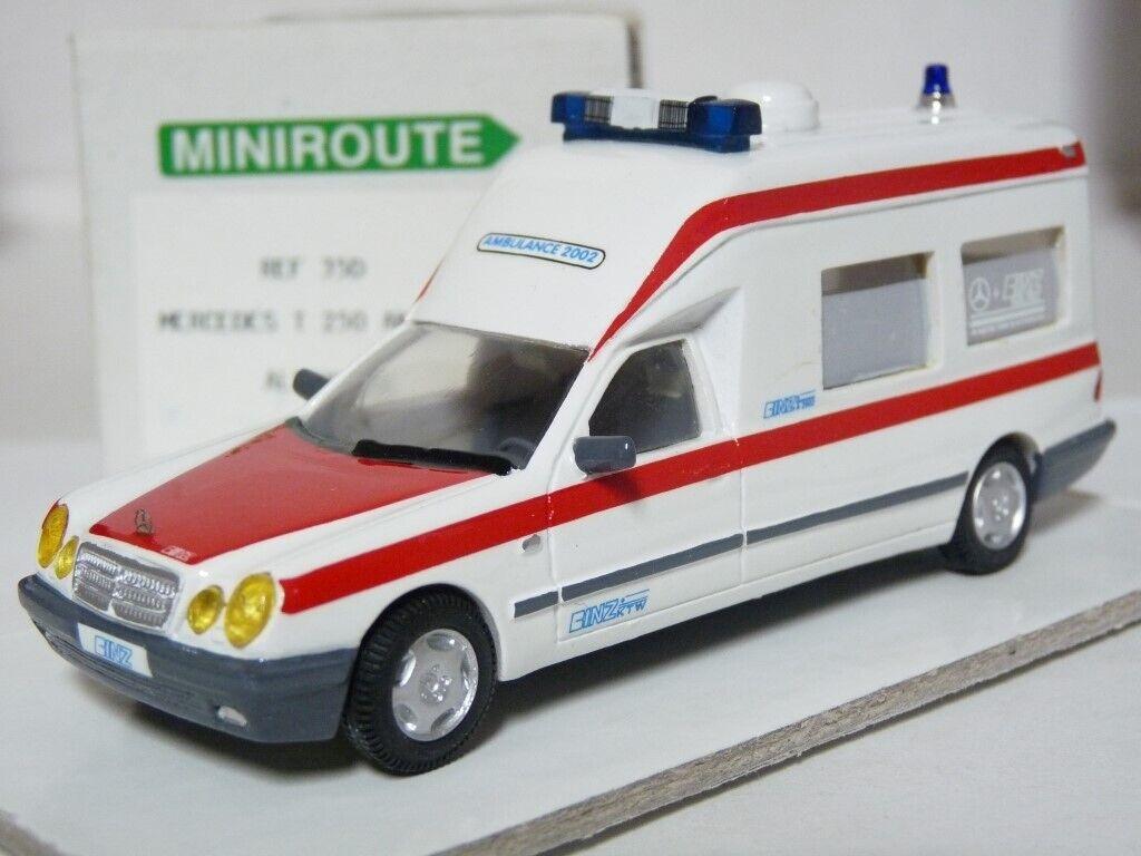 Minirutt 35D-1 43 Mercedes-Benz E250T Binz Ambulance Handgjord Hkonstin Model bil