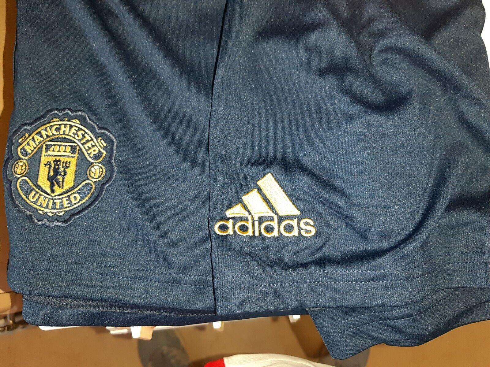 Men's -Adidas Manchester United FC 2018 19 third away Football Shorts Size XL