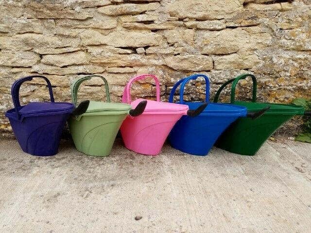 Watering Can - With Frog Ladder - Designed to collect rain - Recycled Plastic-7L
