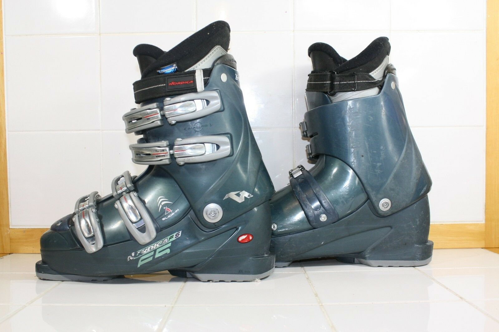 Nordica F5 Used Ski Boots  26.0 Mondo Lot BB18  support wholesale retail