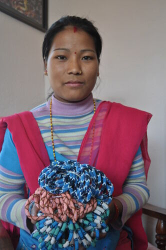 "Sashka Co EXTENDED 8/"" RED SILVER BLUE 8L11 Glass Bead BRACELET Nepal Fair Trade"