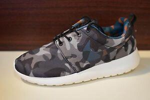 Nike Roshe One Print BLACK GREY CAMO 599432-040 Women s 10.5 Men s ... 3a124b25b