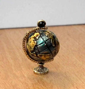 1-12-dolls-house-miniature-Globe-Rotating-Ornament-Study-office-desk-Table-LGW