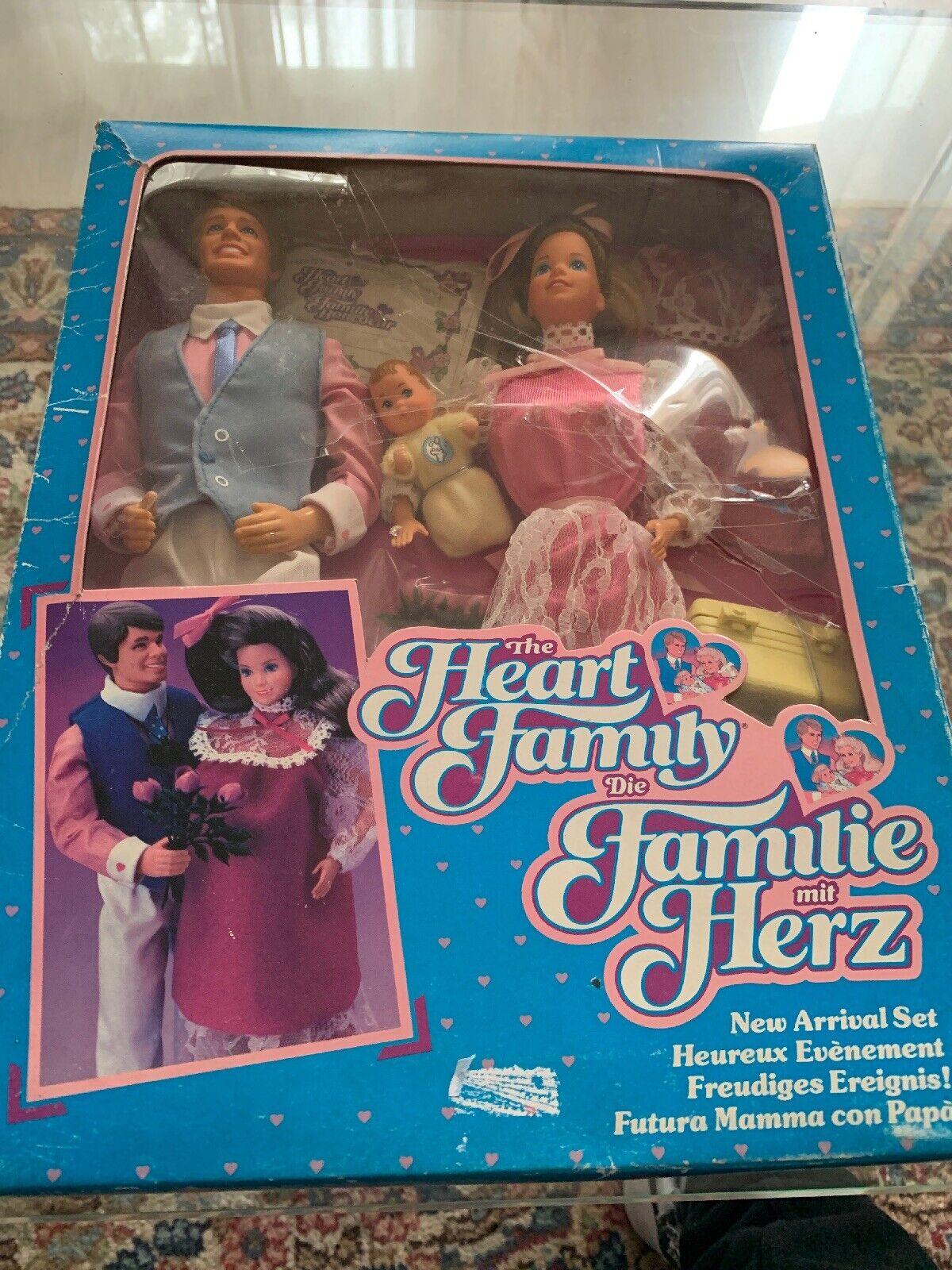 1985 Barbie E  Ken Famiglia Cuore Heart Family nuovo Arrival Set 2415 Nrfb  ecco l'ultimo