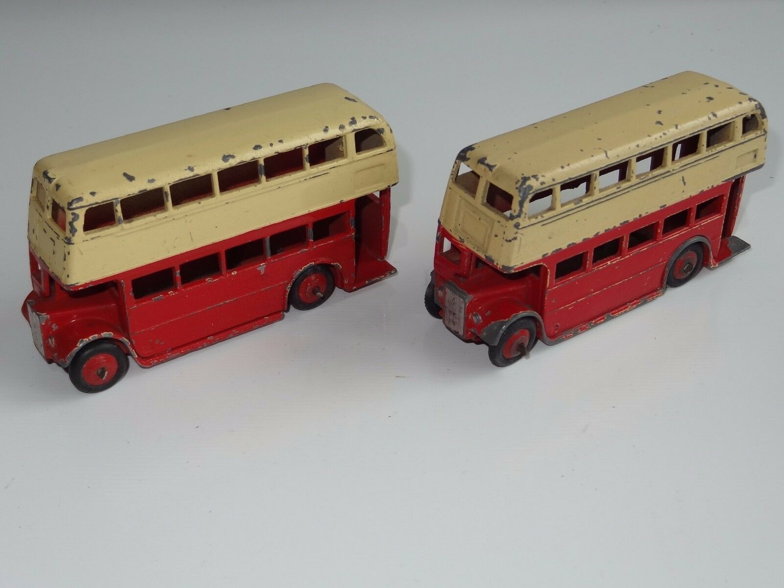 (W) Dinky LOT OF 2 RED BUSES AEC   LEYLAND - 29C