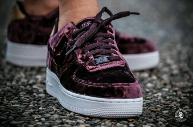 best loved 0d613 5556f 8 WOMEN S Nike Air Force 1  07 Premium Port Wine 896185-600 VELVET WHITE