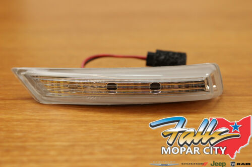 08-17 Chrysler Town /& Country Dodge Grand Caravan Right Mirror Turn Signal Mopar