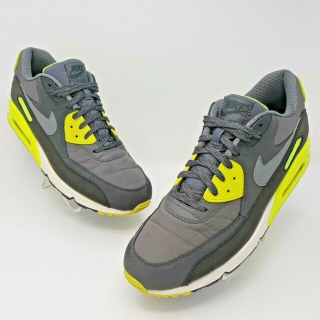 Size 13 - Nike Air Max 90 Essential