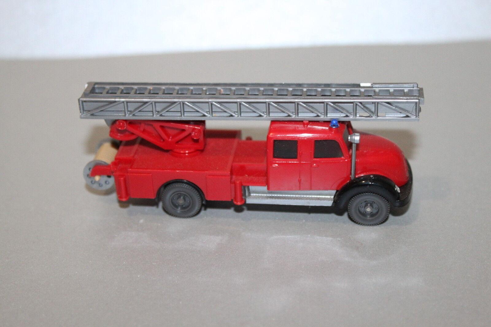 Wiking 620 35 MAGIRUS sirius rondhauber pompiers chef voiture piste  h0  authentique en ligne