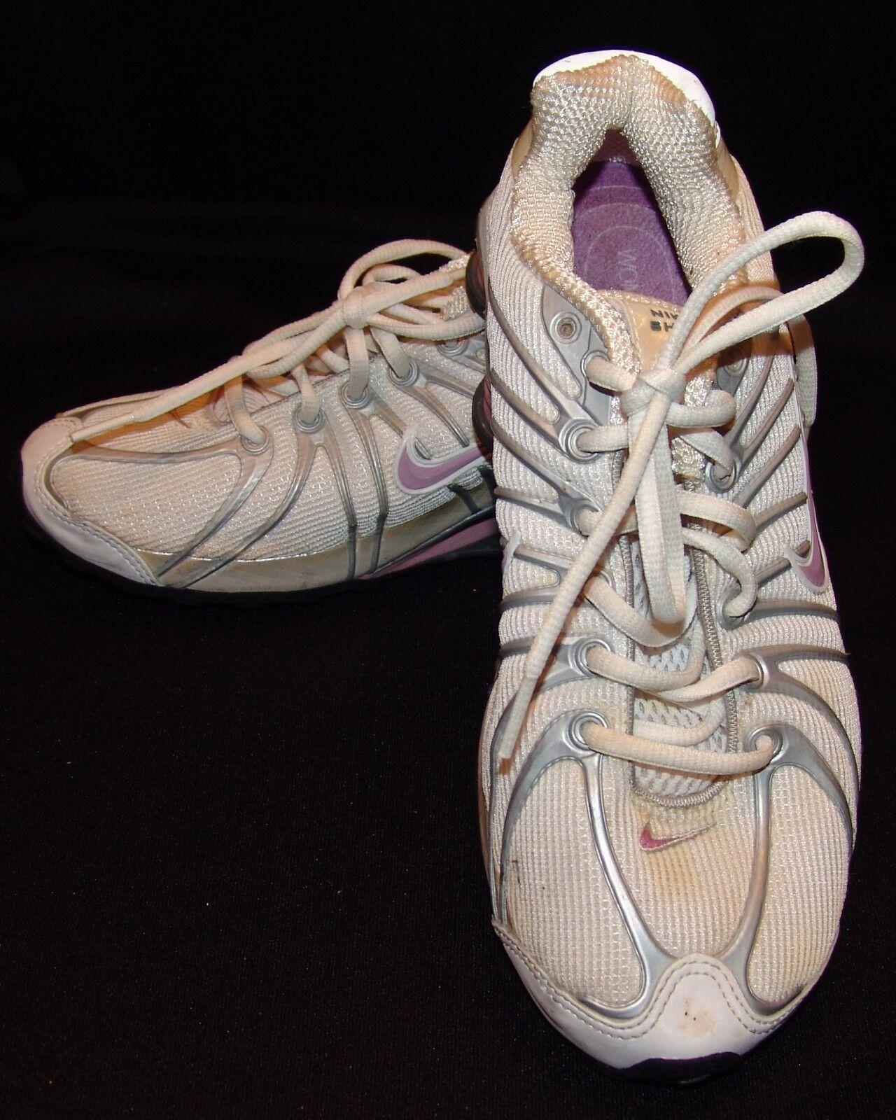 Nike Shox Zapatos Corriendo Zapatos Shox tenis atléticas para mujer 7.5 7 1/2 Plata Blanco 048e93