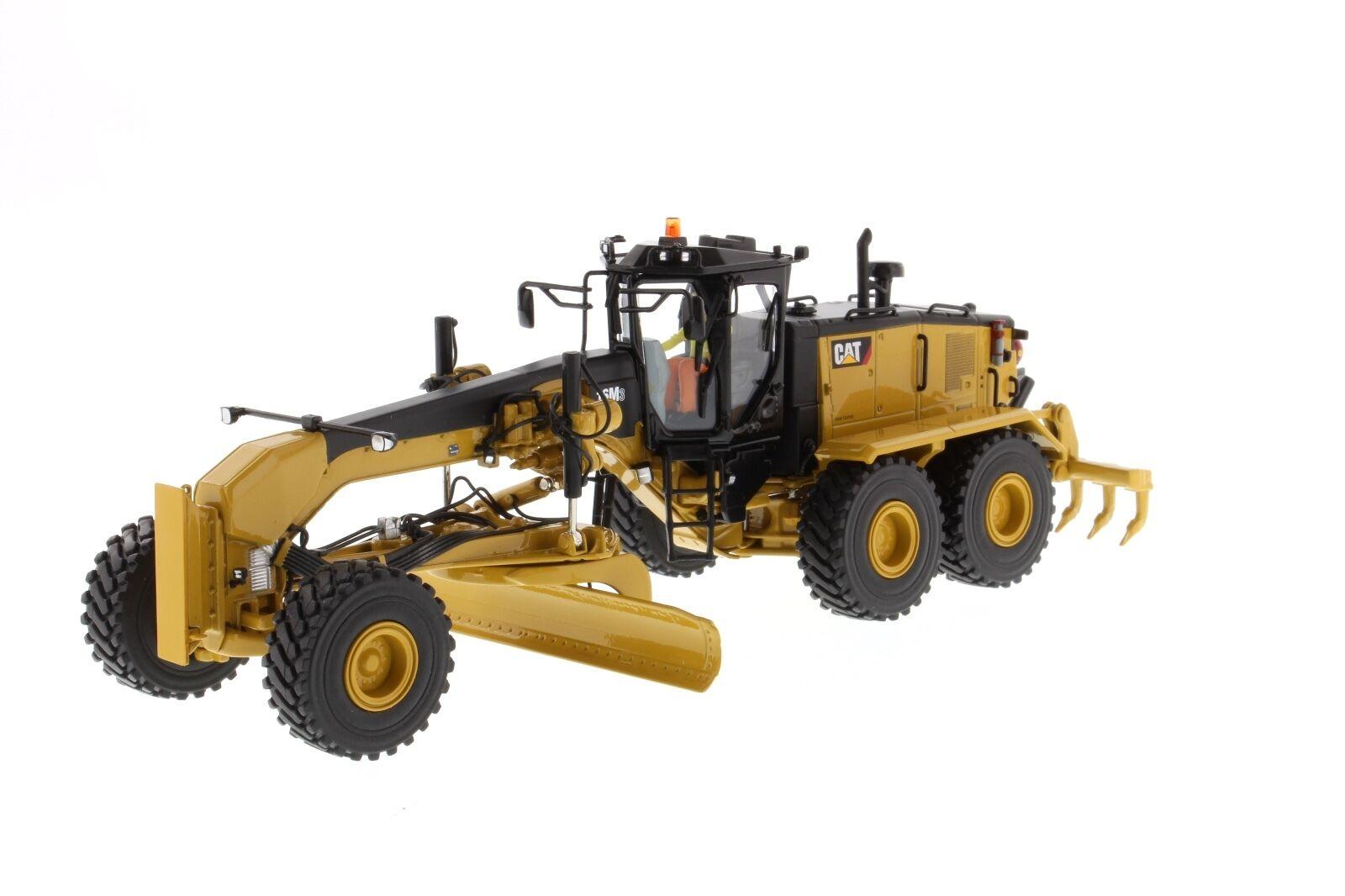 Caterpillar® 1 50 scale Cat 16M3 Motor Grader - Diecast Masters 85507