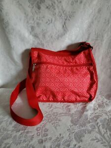 LeSportsac-Deluxe-Everyday-Crossbody-Shoulder-Bag-w-Matching-Pouch-Red