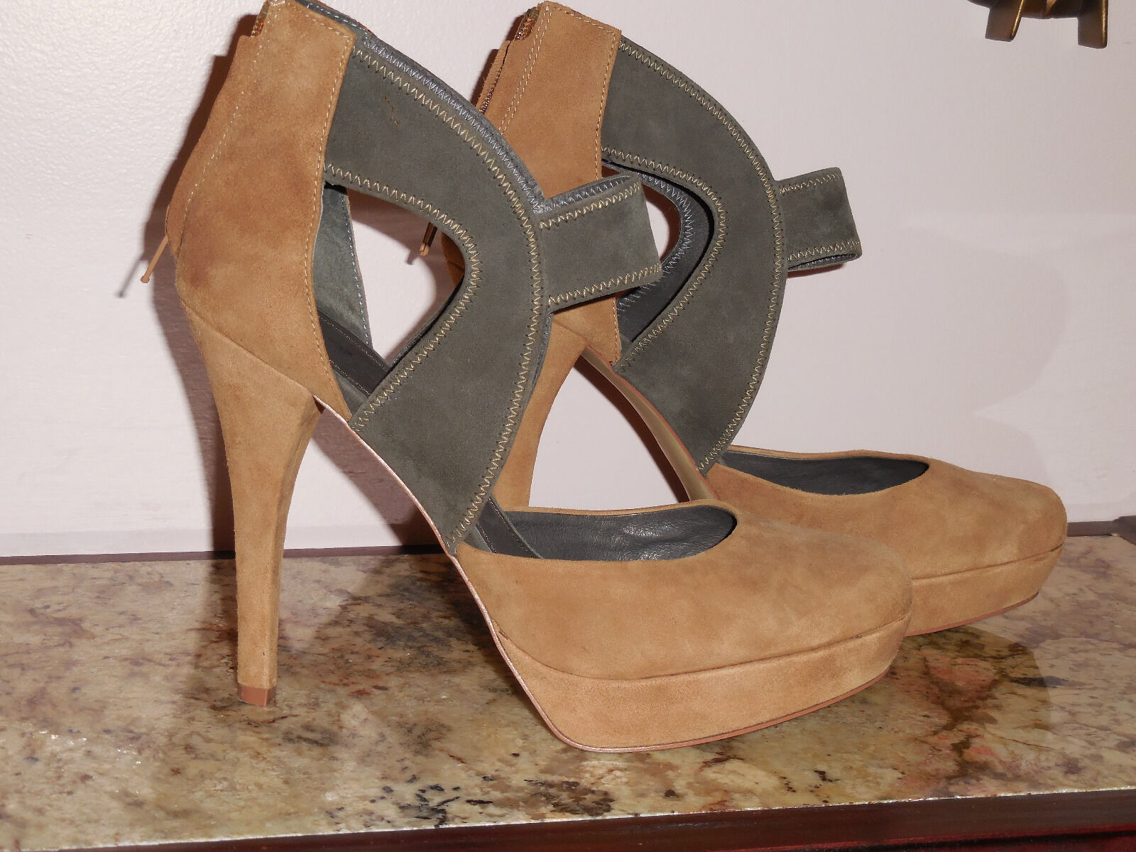 7 For All Mankind Schuhes Größe 10B  Camel and Gray Suede 5 Inch Heels
