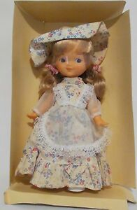 Ginger-Vintage-Doll-1979-Cute-Dainty-Floral-The-Old-Fashions-Blonde-Rooted-Hair