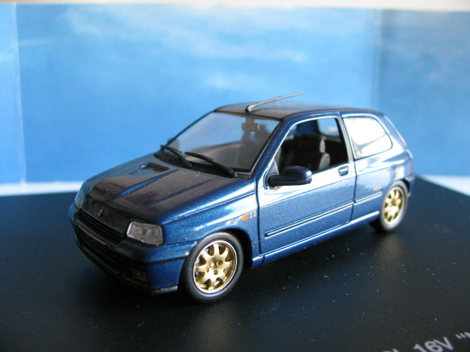 1 43 Renault Clio 2.0 16V Williams diecast