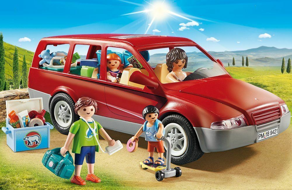 Playmbil Family Fun Family Car With Trailer Hitch Playset 9421