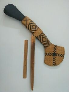 Papua New Guinea PNG Mt Hagen ceremonial wooden axe with stone head