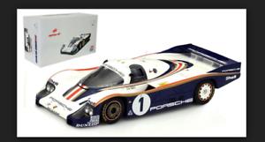 Porsche 956 Ickx / Bell Vainqueur des 24 Heures du Mans 1982 1/18 18lm82 Spark Model