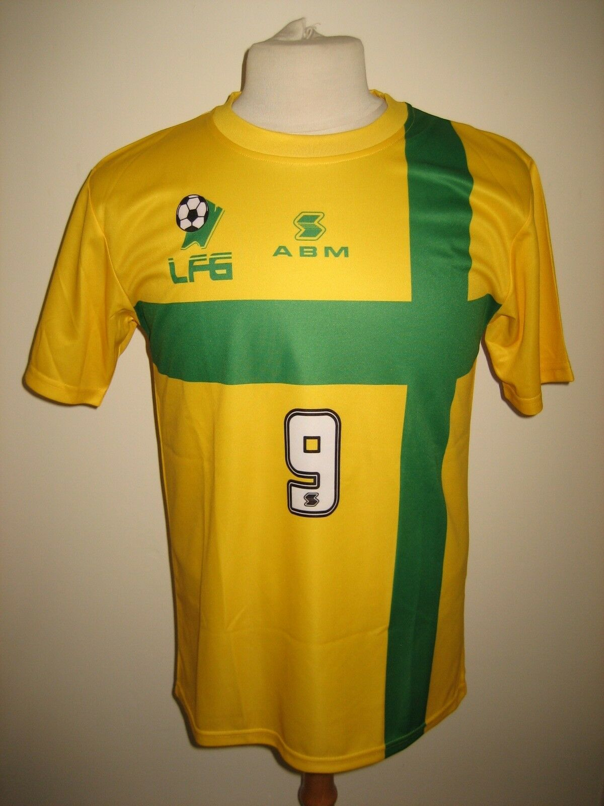 Guyana NUMBER 9 rare football shirt soccer jersey camiseta maillot NEW size M