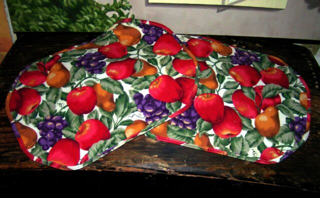 2  Apple & Grapes Place Mats