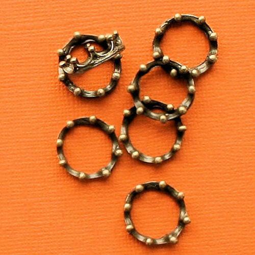 BC623 C 8 Crown Charms Antique Bronze Tone 3D