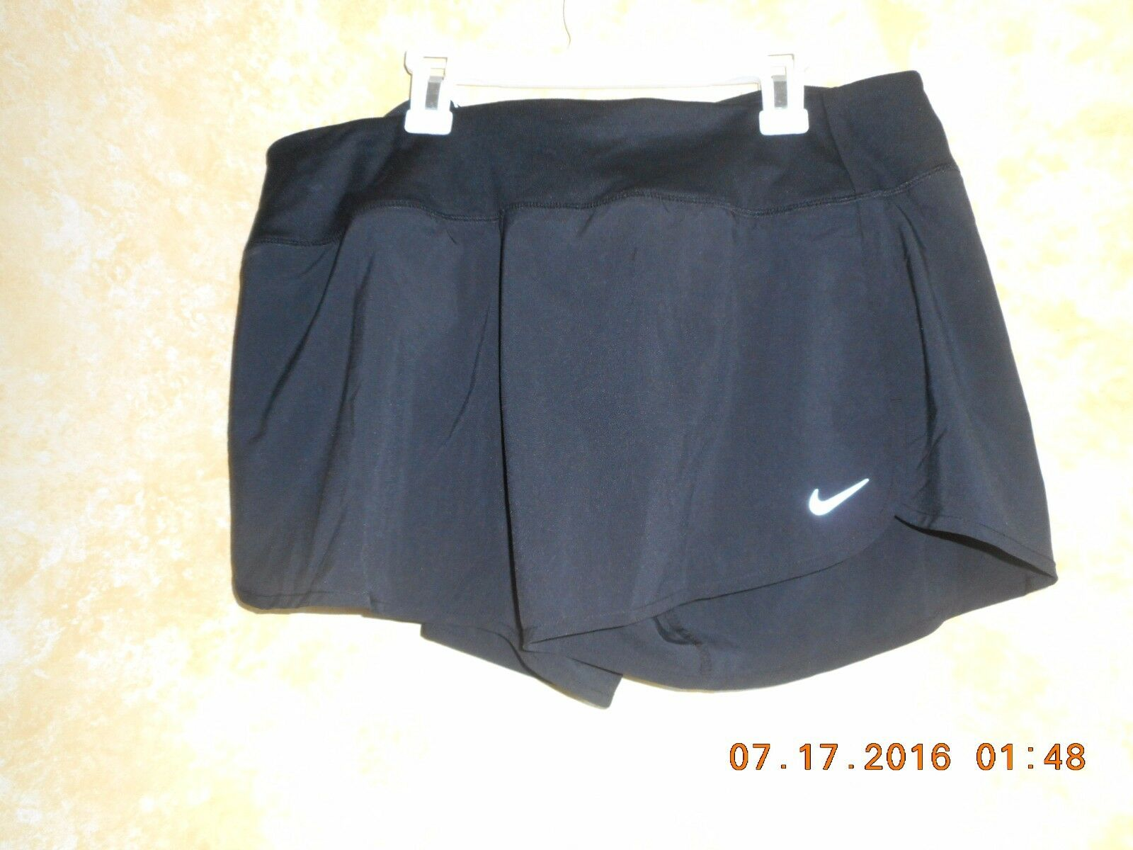 NIKE Dry fit Womens running shorts LARGE