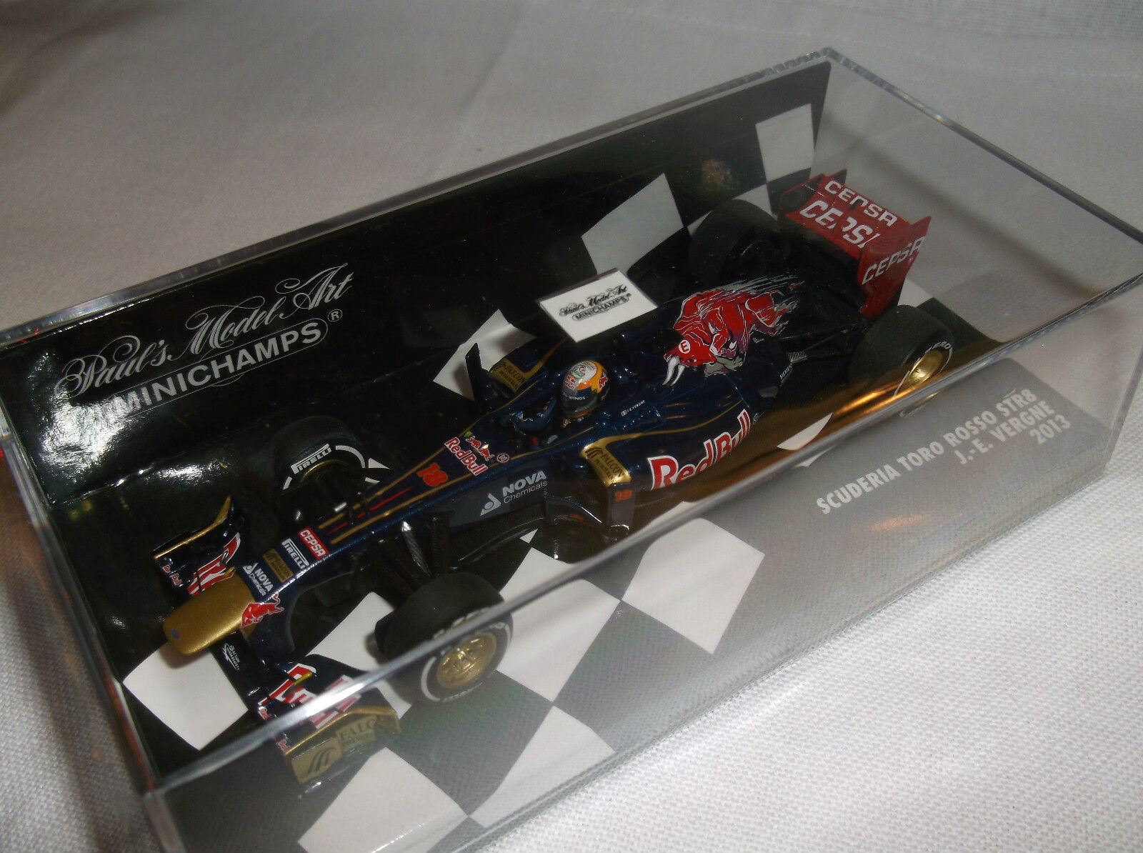 BRAND NEW MINICHAMPS  J. -E Vergne  Scuderia Tgold red STR8  F1 GP 2013