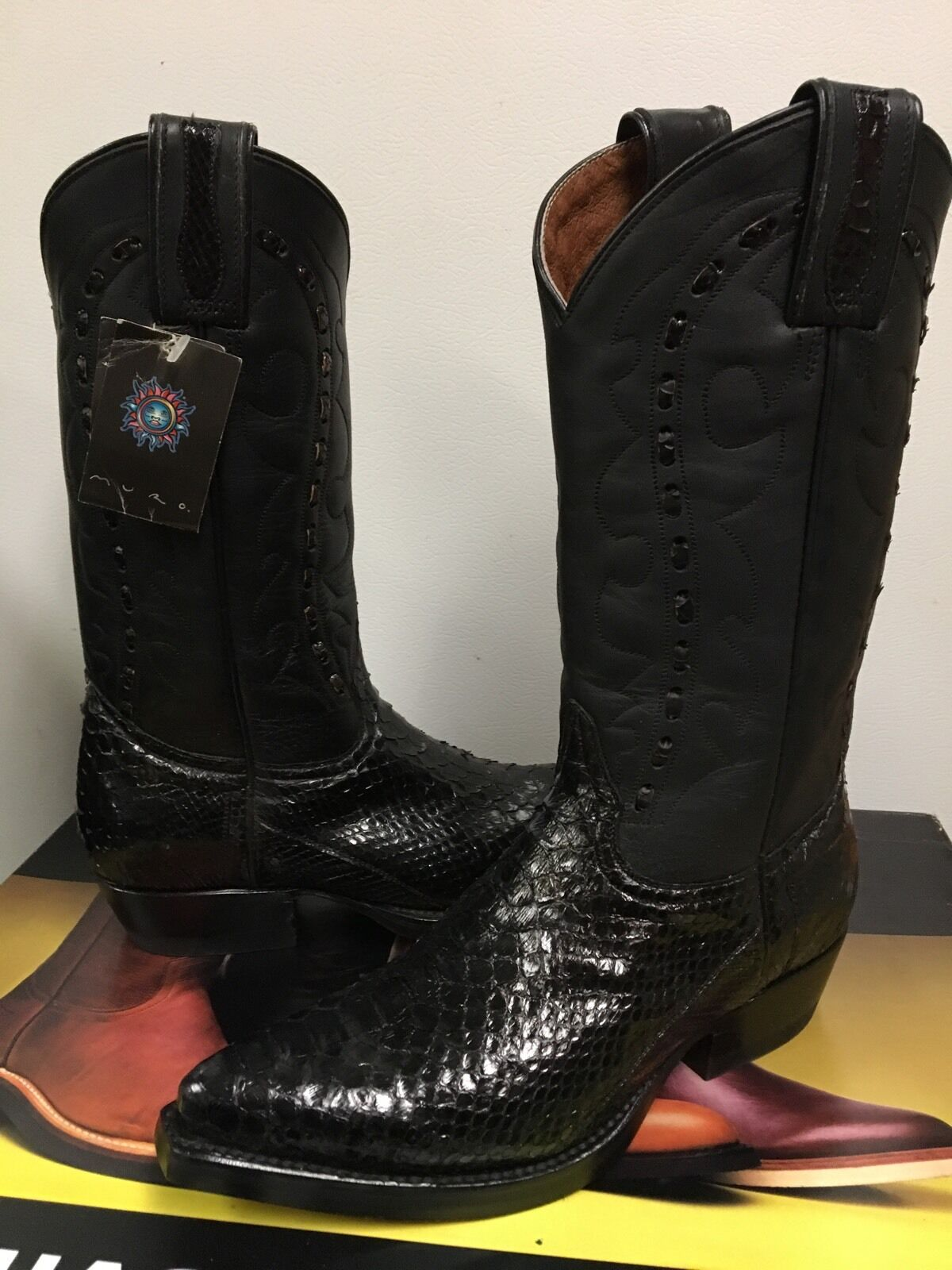 Muro Women's Western black snake Leather  boot  Size Fit  US size  5.5 NIB