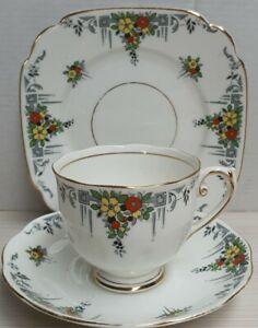 Vintage-Reid-amp-Co-Roslyn-China-Hand-Painted-Bone-China-Trio-c1937-46-England