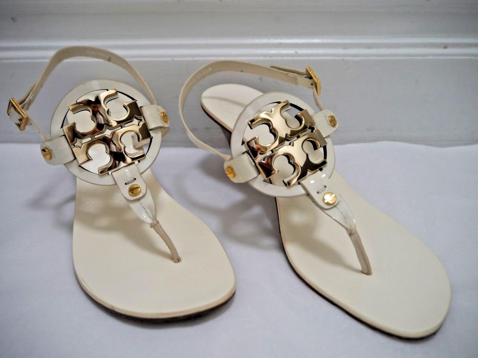 TORY BURCH  275  brevetto avorio Holly 2 logo oro medio sandali a tallone 9.5 WORN ONCE  vendita di offerte