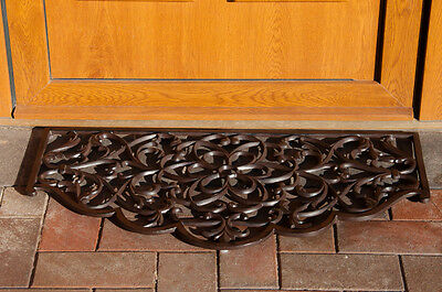 Hammer Hill Cast iron door mat with arched edge Ornate Durable