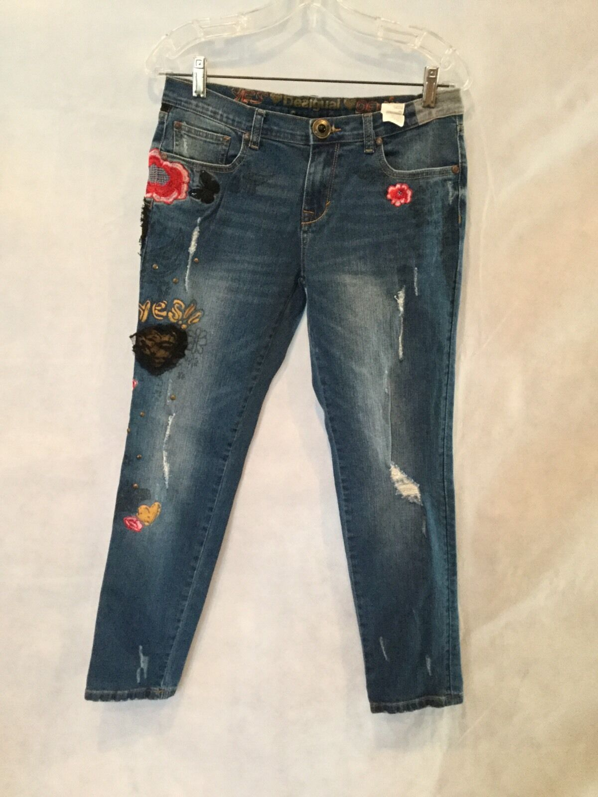 DESIGUAL DENIM DISTRESSED CAPRI ANKLE JEANS W PATCHES SIZE 28
