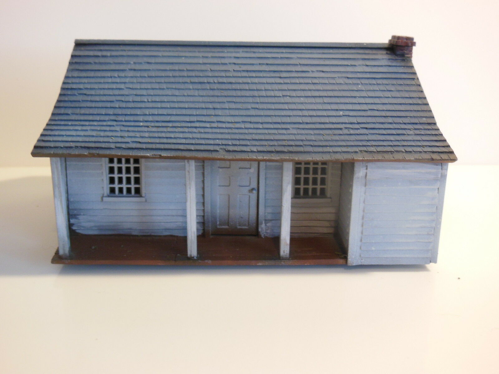 Perry Miniatures NORTH AMERICAN FARMHOUSE 1750 28mm - Painted